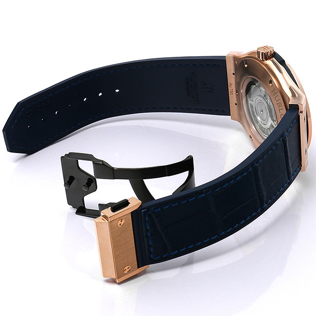 The wrist watches are also equipped with transparent sapphire case backs.