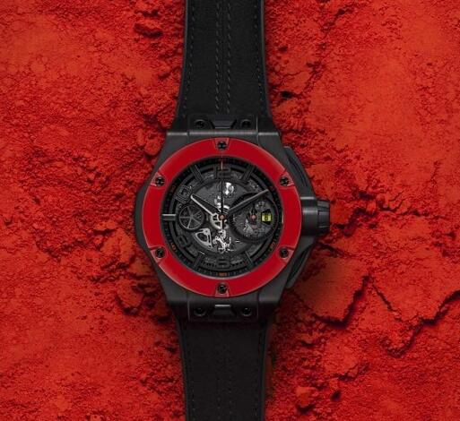 The red ceramic bezel is really striking among the integated black tone.